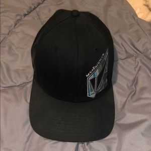 Volcom hat barely used